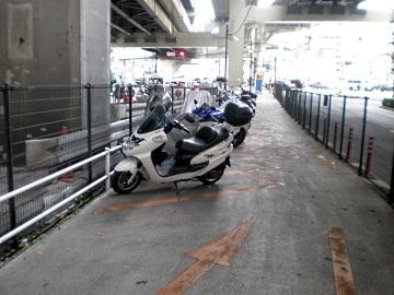 一ノ橋オートバイ専用駐車場・内部3